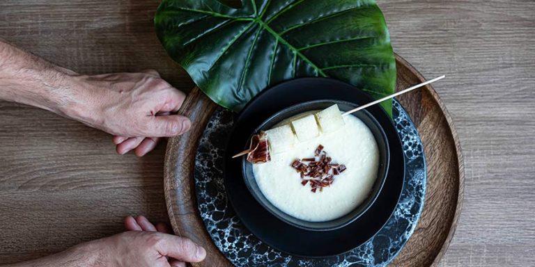 sopa-fria-de-melon-con-jamon-iberico-de-montanera